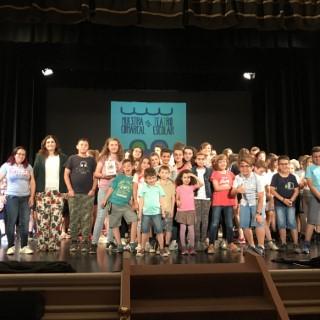 La XXXII Muestra Comarcal de Teatro Escolar 'Ciudad de Orihuela' baja el telón hasta el próximo año 2019 con la clausura y la entrega de trofeos