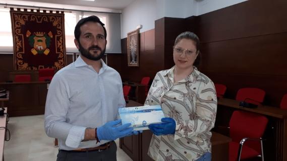 El Ayuntamiento de Callosa de Segura recibe una donación de 40 test rápidos para la detección del coronavirus