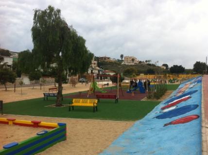 El Ayuntamiento de Torrevieja reabrirá mañana, viernes 5 de junio, todos sus parques y jardines con las zonas de juegos infantiles