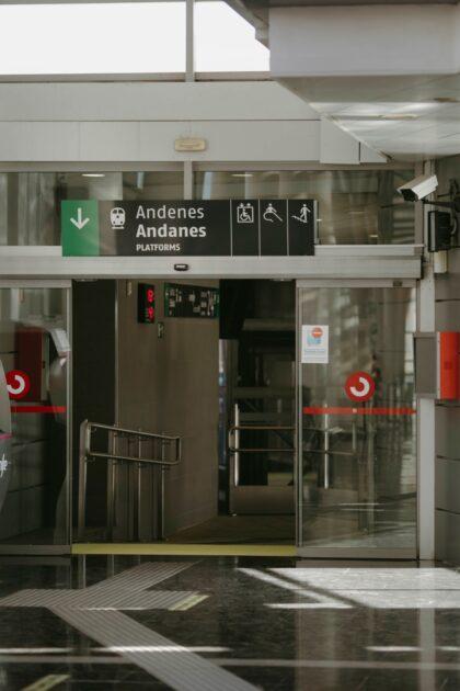 El Ayuntamiento y RENFE promocionan el uso de trenes AVE para potenciar los valores culturales, gastronómicos y turísticos de la ciudad oriolana y de la Vega Baja
